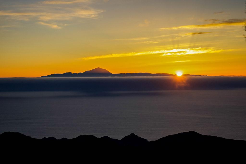 Atardecer desde lo alto de Montaña Altavista en Artenara