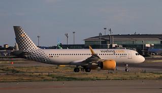 Vueling / Airbus A320-271N / EC-NIY