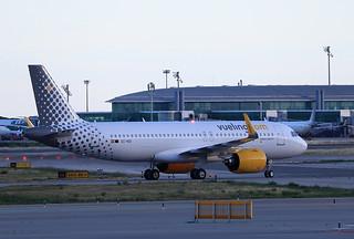 Vueling / Airbus A320-271N / EC-NIX