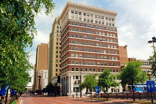 cityscape downtown businessdistrict street architecture commercialbuildings classicalrevival neoclassical historical 1990s 1993 fortworth texas