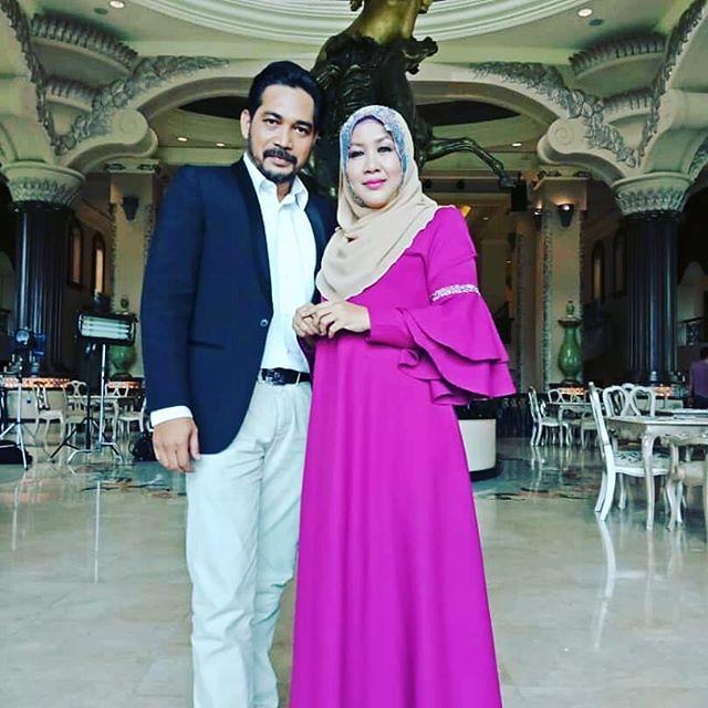 pasangan Safura Yaacob dan suami