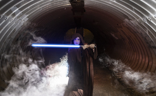 lightsabertunnel_02