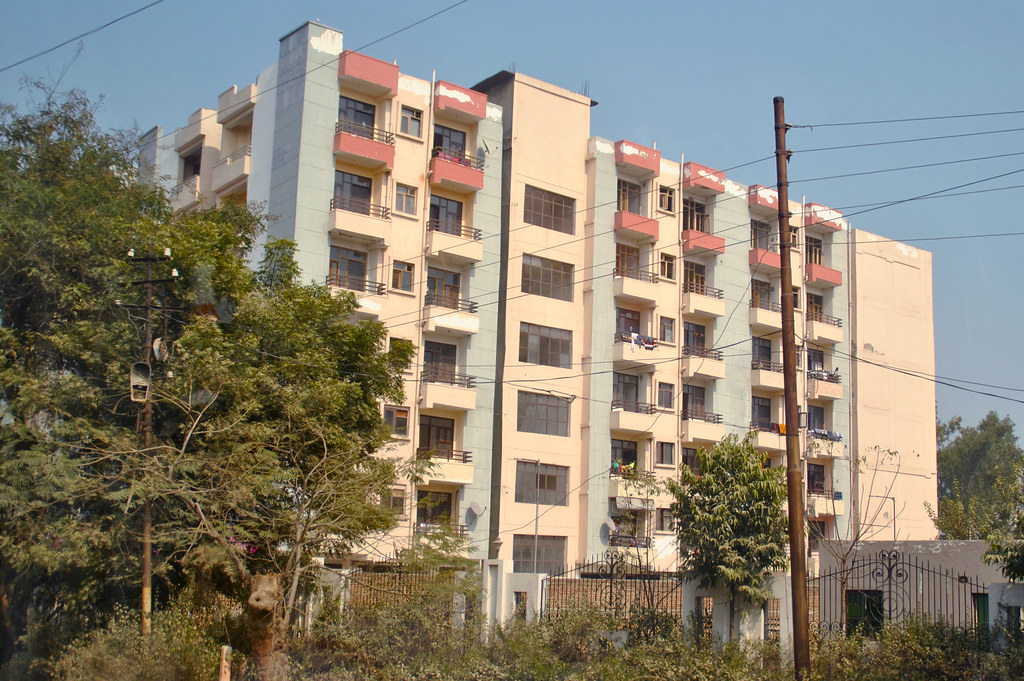 Apartemen, Mathura