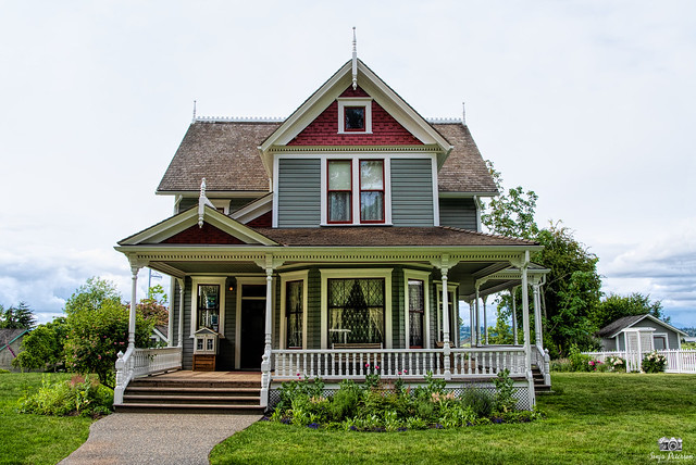 Elgin Heritage Park - Historic Stewart House c. 1895