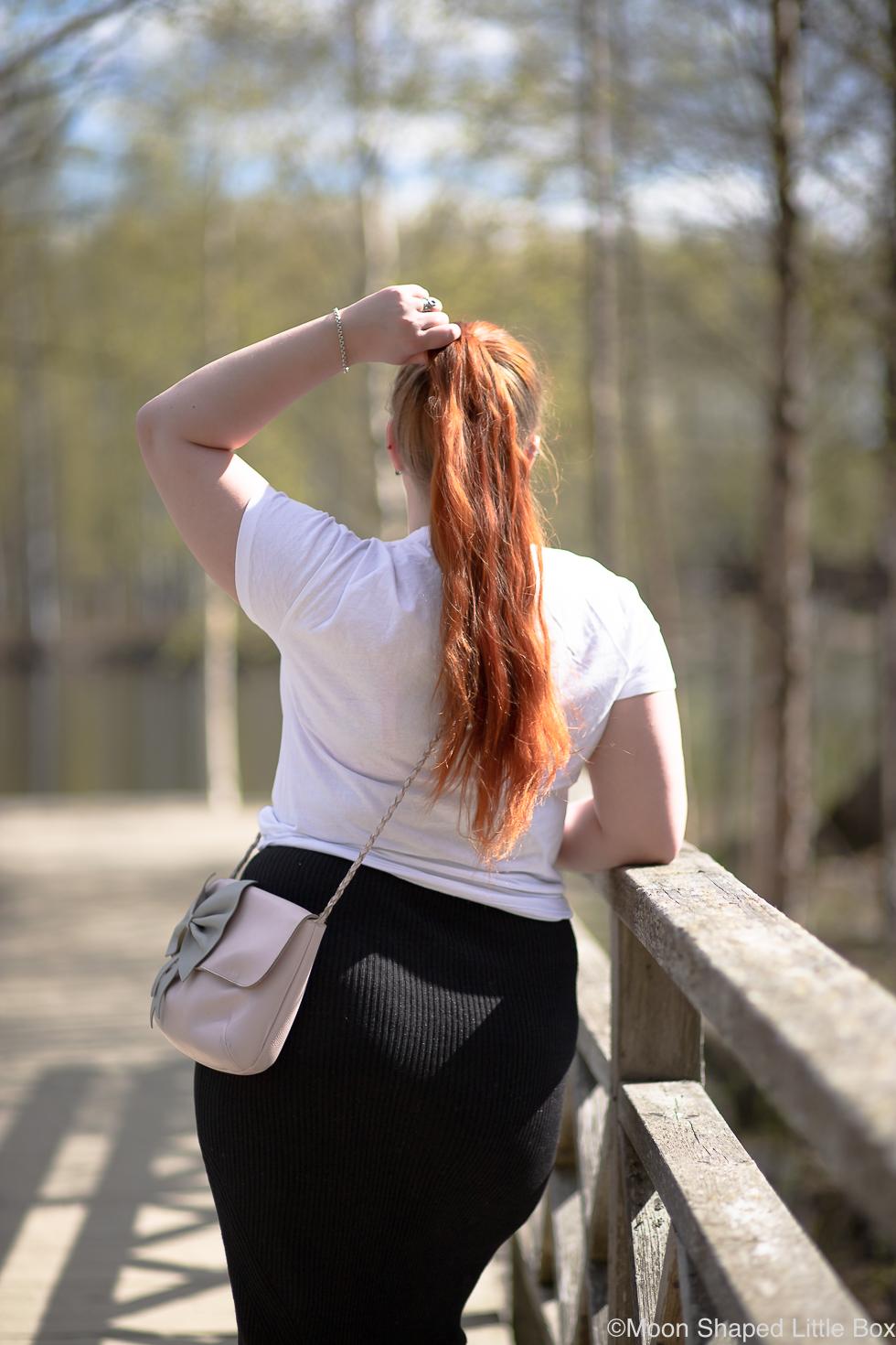 Asu-valkoisella-t-paidalla-blogi-5