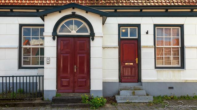 Red doors (DDD/TDD)