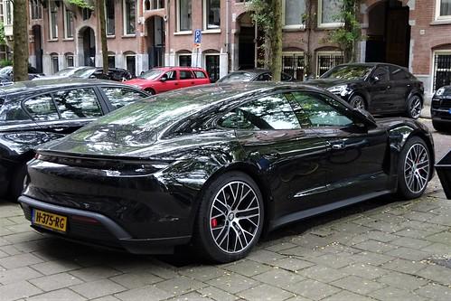 2020 Porsche Taycan 4S Photo