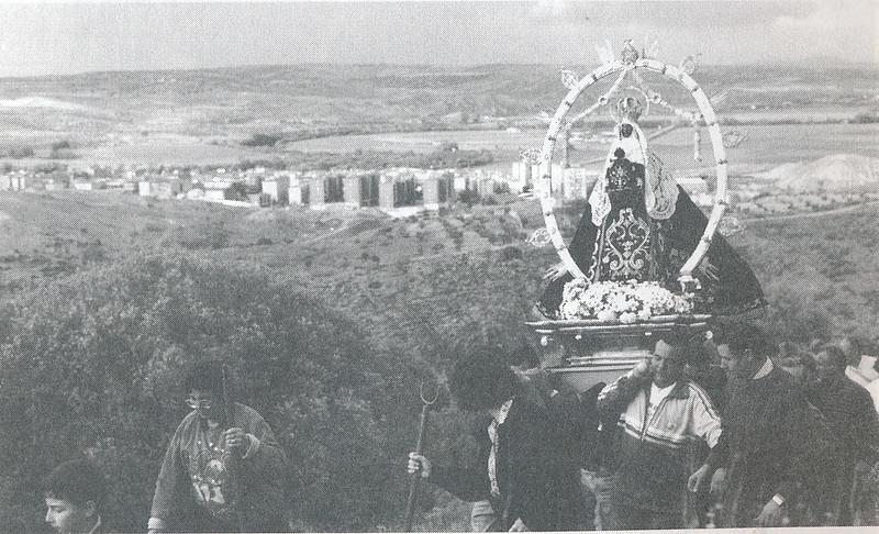 Romería de la Virgen de la Guía en 1994. Foto cedida por Esperanza García Calvo para el libro de Emilio Vaquero Fernández-Prieto dedicado a la ermita en 1996