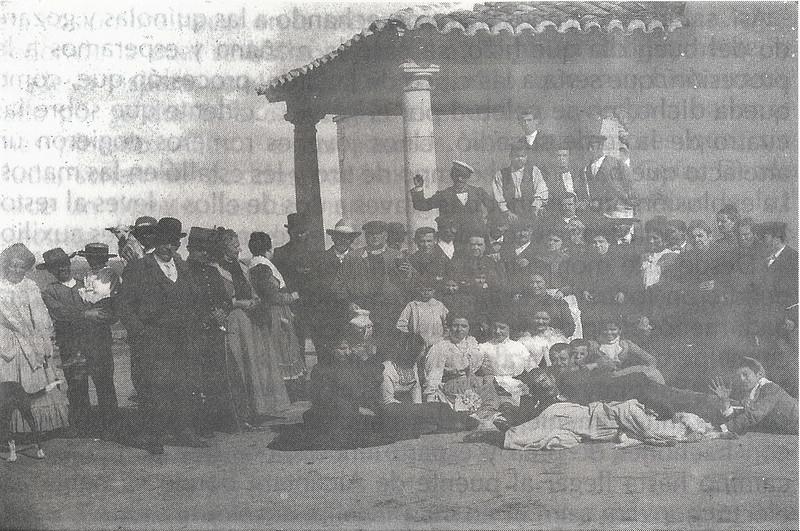 Romería de la Virgen de la Guía en 1901. Foto cedida por Luis Alba para el libro de Emilio Vaquero Fernández-Prieto dedicado a la ermita en 1996