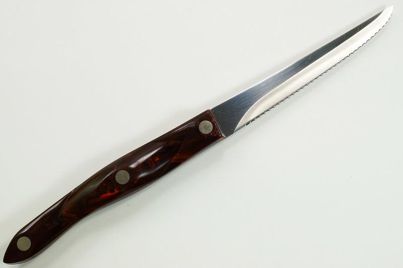 RD30480 CUTCO 1721 Serrated Trimmer Knife Brown Orange Swirl Handle DSC08130