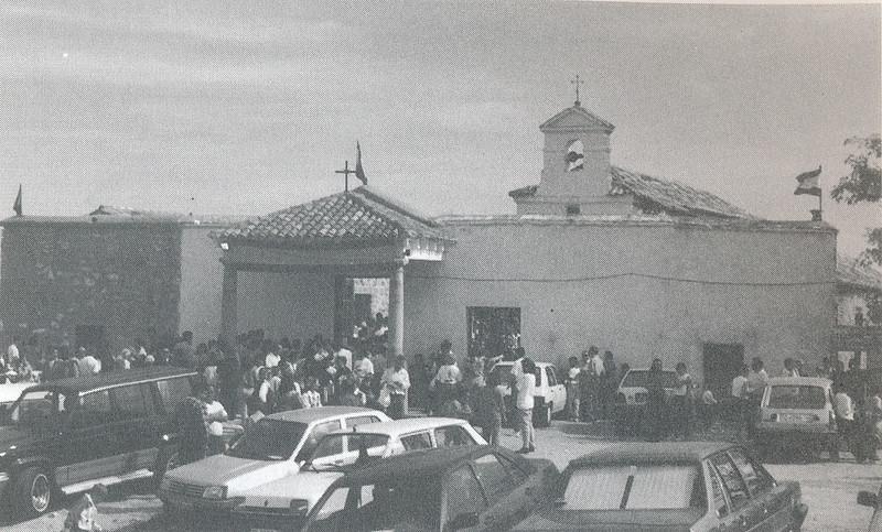 Romería de la Virgen de la Guía en 1995. Foto cedida por Esperanza García Calvo para el libro de Emilio Vaquero Fernández-Prieto dedicado a la ermita en 1996