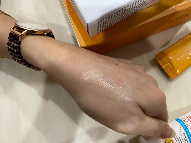 Nuvit Daily Defender Lightweight Moisturizing Sunscreen