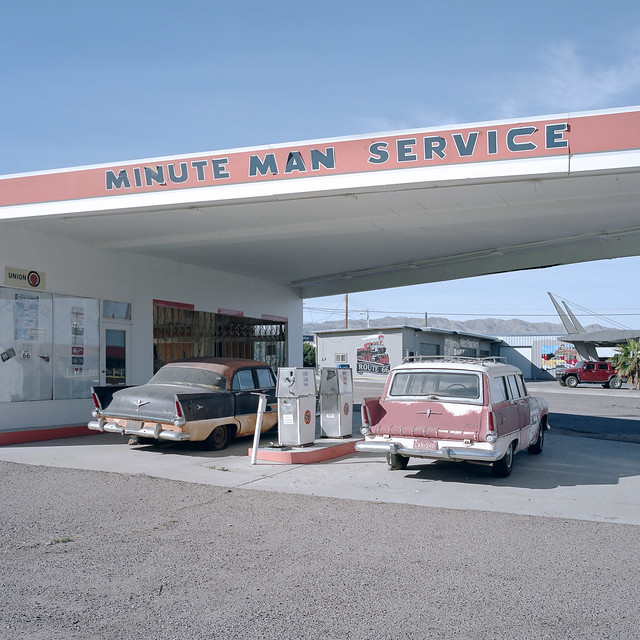 minute man service / route 66. needles, ca. 2014.