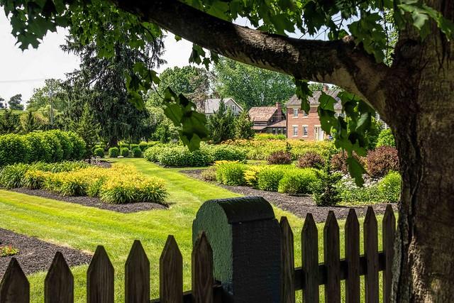Zoar Gardens