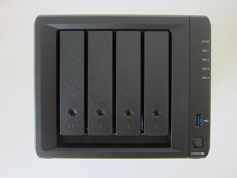 Synology DiskStation DS920+ - Front
