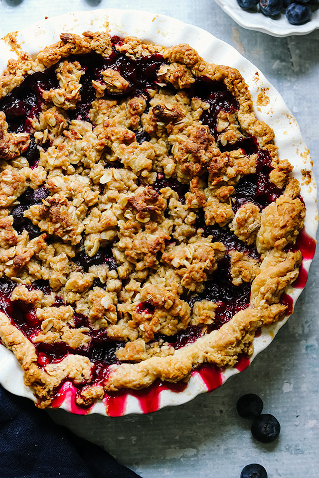 Black and Blue Pie with Brown Sugar Crumb