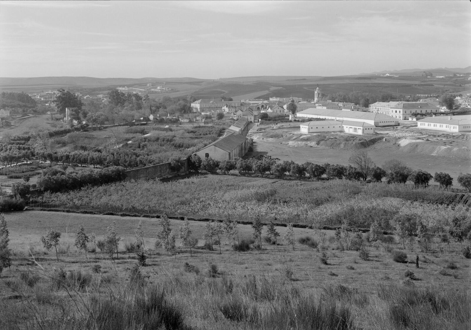 Vista sobre o Palácio e o Regimento de Artilharia, Queluz (M. Novais, s.d.)