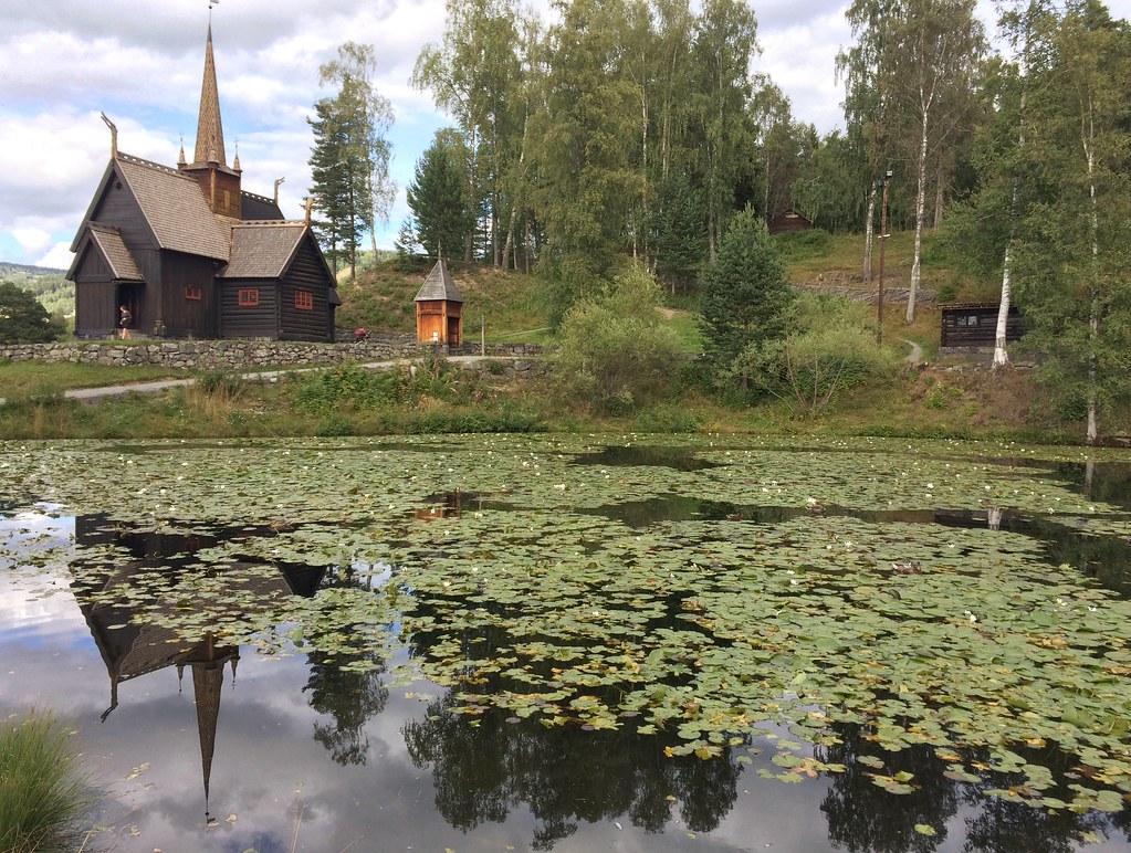 Garmo stavkirke og Nordre tjern