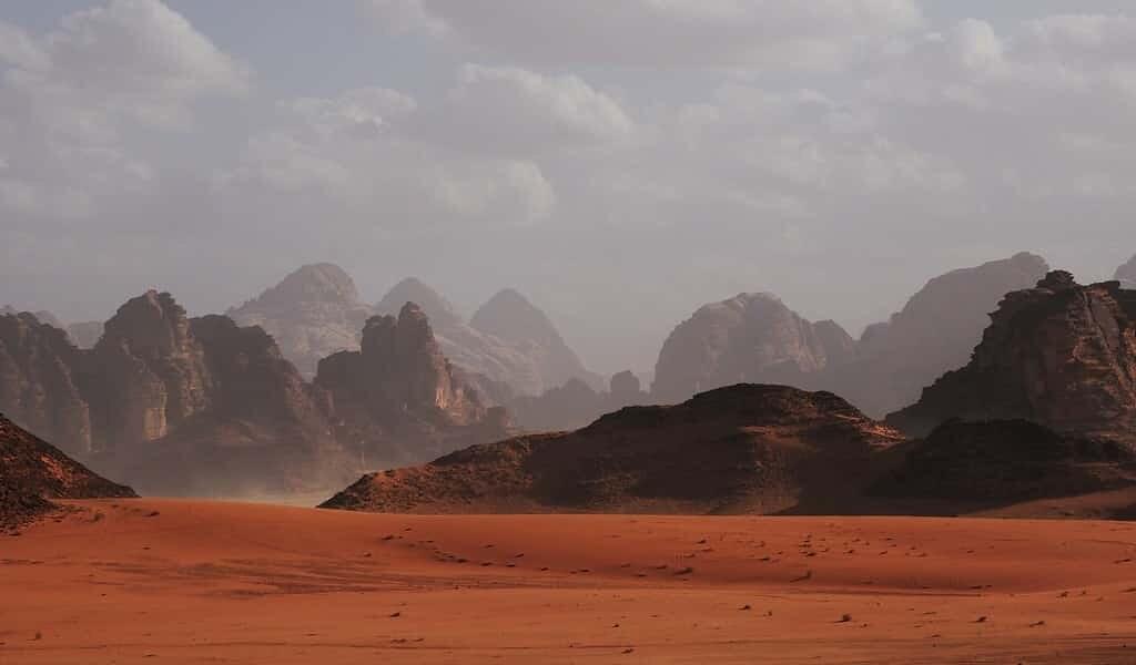 La poussière électrique aurait effacé les signes de vie sur Mars