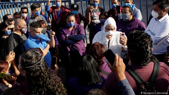 墨西哥加工出口區工人暴露於新冠肺炎的威脅之中。(圖片來源:L. Gonzalez Reuters/Reuters)