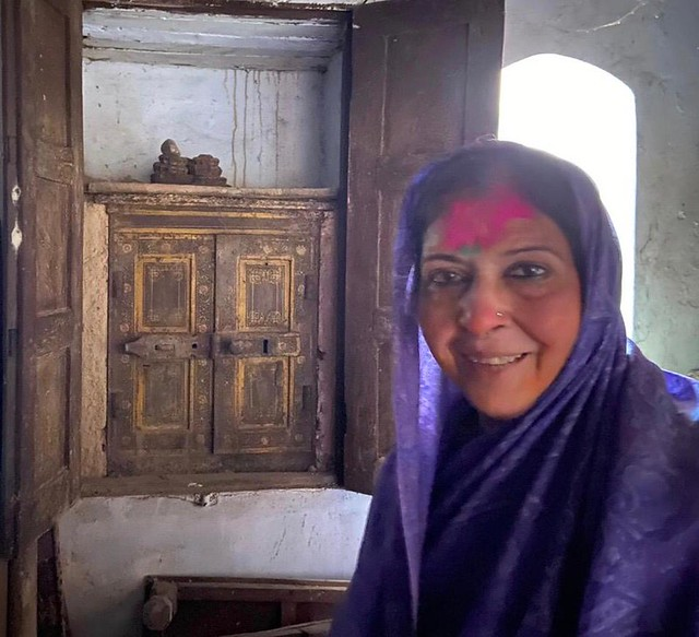 City Series – Sarojini Singh in Delhi, We the Isolationists (370th Corona Diary)