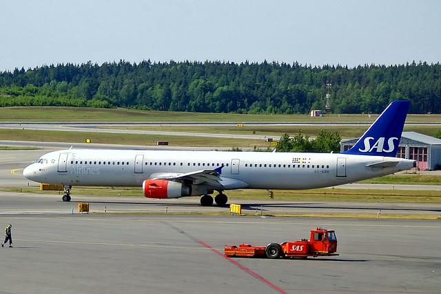 OY-KBB   Airbus A321-232 [1642] (SAS Scandinavian Airlines) Stockholm-Arlanda~SE 06/06/2008