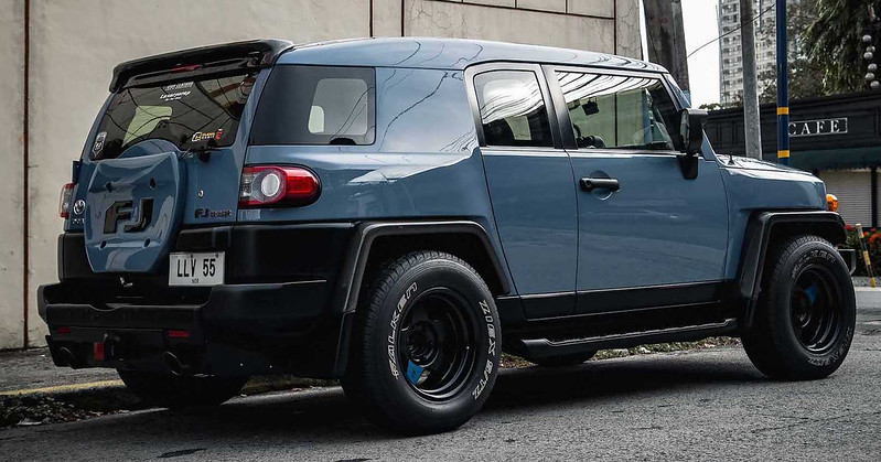 slammed-toyota-fj-cruiser-by-atoy-customs-philippines