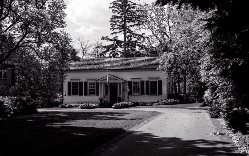 Heritage Lakeshore Cottage