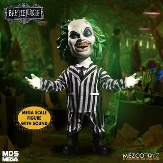 必須呼喊「他」的名字三次! MEZCO TOYZ M.D.S. Mega Scale 系列《陰間大法師》陰間大法師 15 吋說話玩偶(Talking Beetlejuice)
