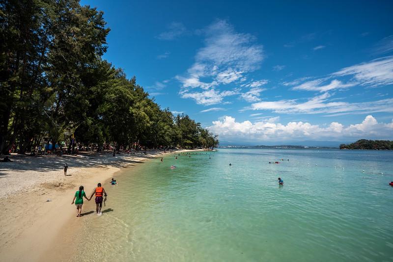 マヌカン島のビーチ