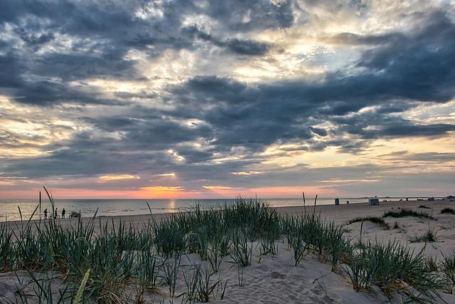 Sunset time. (Jun 19, 2020)