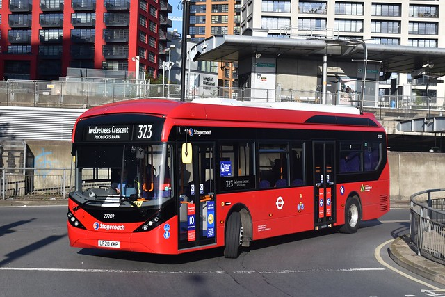 29202 - Stagecoach London - E200MMCEV - LF20XKP - Route 323