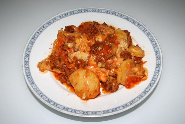 Cauliflower meat casserole - Leftovers II / Blumenkohl-Hack-Auflauf mit Kartoffeln - Resteverbrauch II