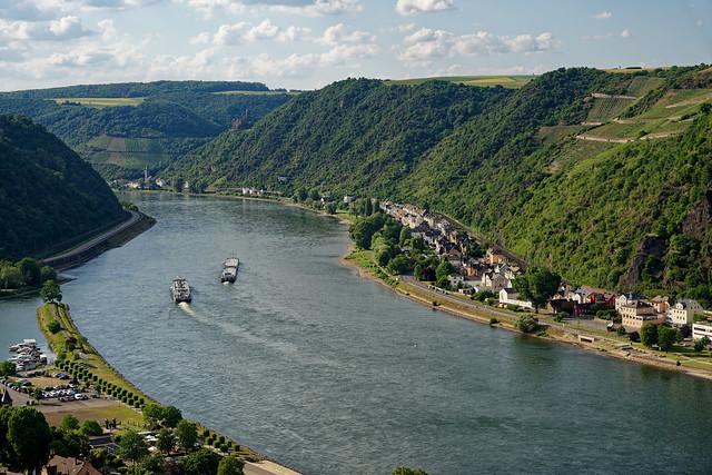 Mittelrheintal bei St. Goarshausen mit Burg Maus