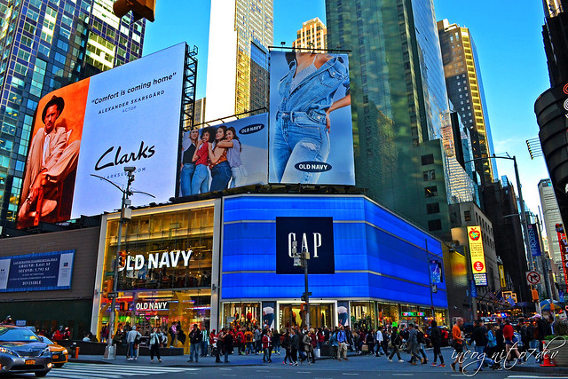 Times Square Gap & Old Navy Stores Manhattan New York City NY P00564 DSC_0977