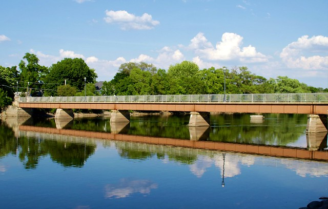 Fox River - East Dundee, IL