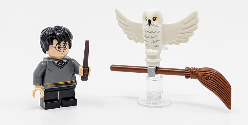 30420: Harry Potter & Hedwig Owl Delivery