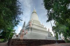 Wat Phnom Temple, Phnom Penh, Cambodia
