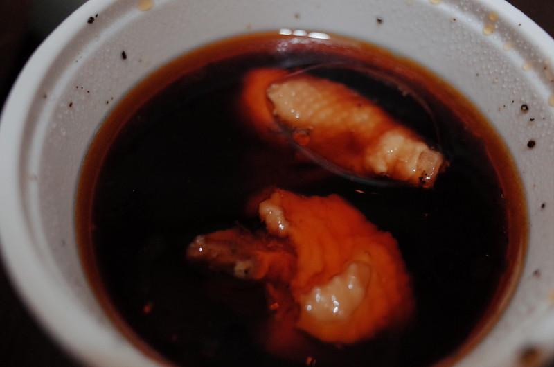 池袋西口壬生鶏そばめんつゆに辣油を投下