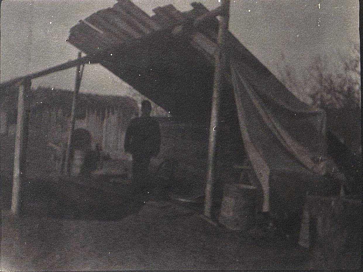 Оборудованный временный питательный пункт для беженцев