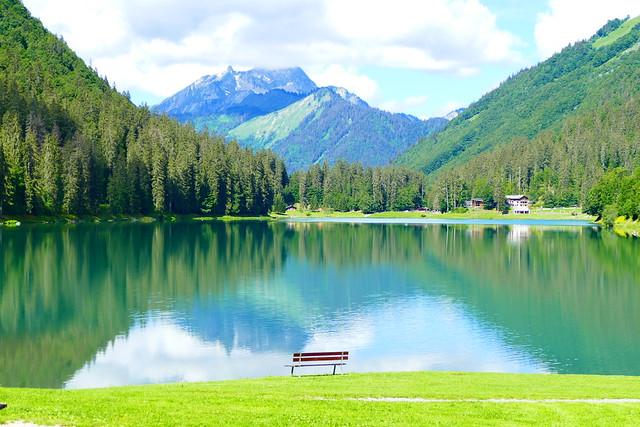 06.20.20.Contemplation du Lac de Montriond - Contemplation of Lake Montriond (France)