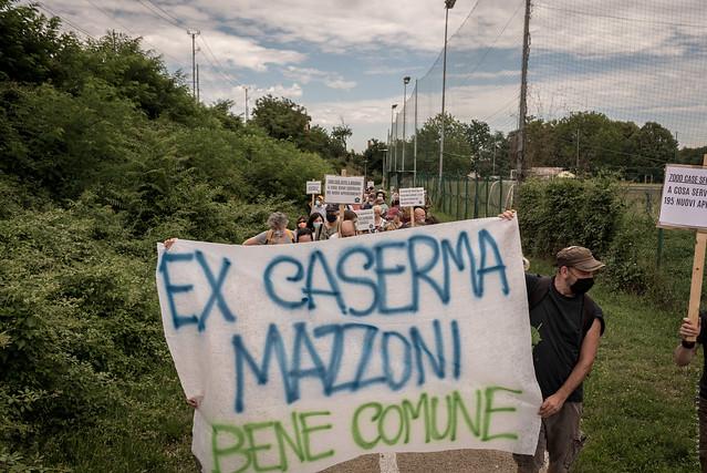 Passeggiata popolare per un ex Caserma Mazzoni bene comune #2