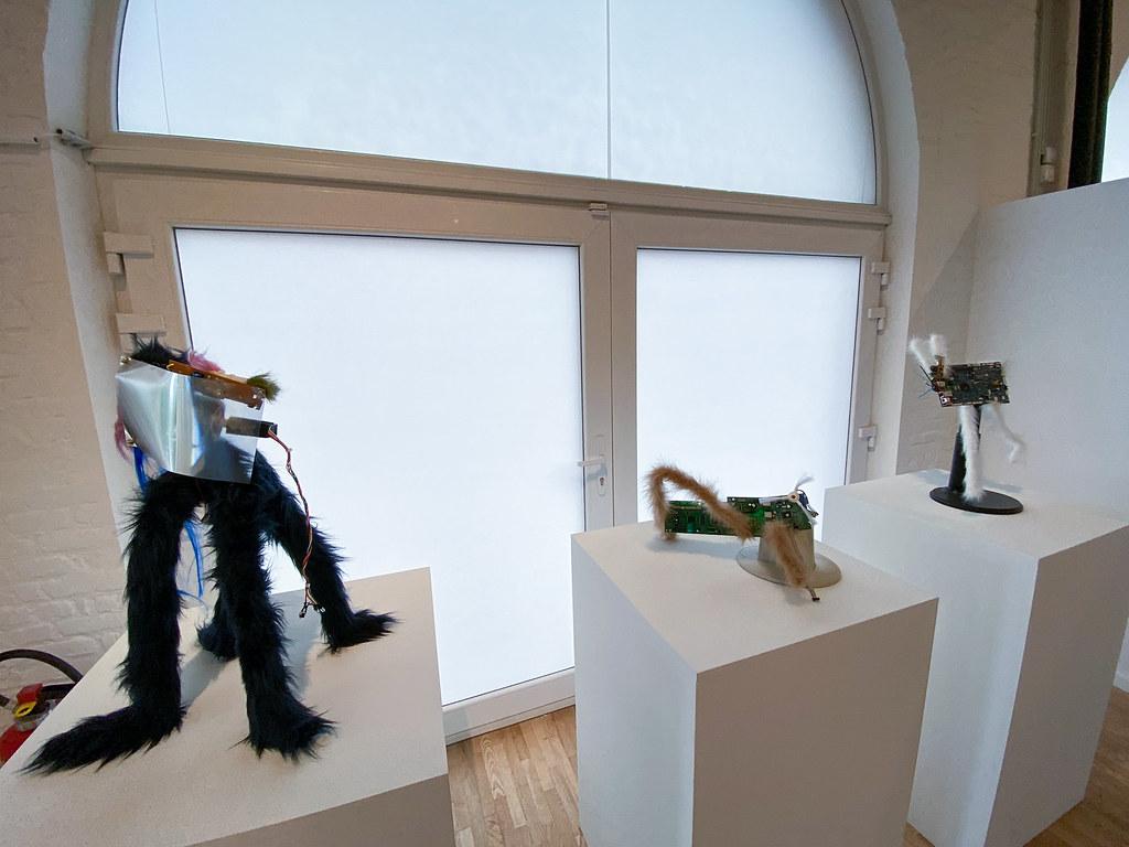 Marti Sawe (ES) EN The Spanish artist paints and sculpts by collage,