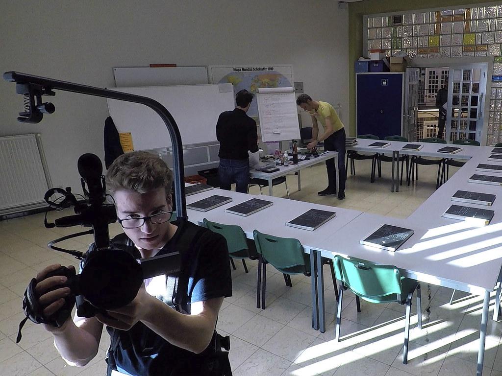 001_buiten_de_schoolmuren