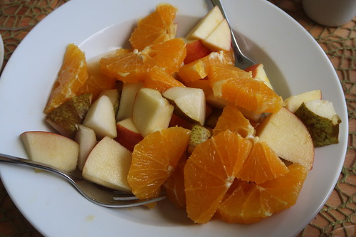 Obstsalat aus gerettetem Obst