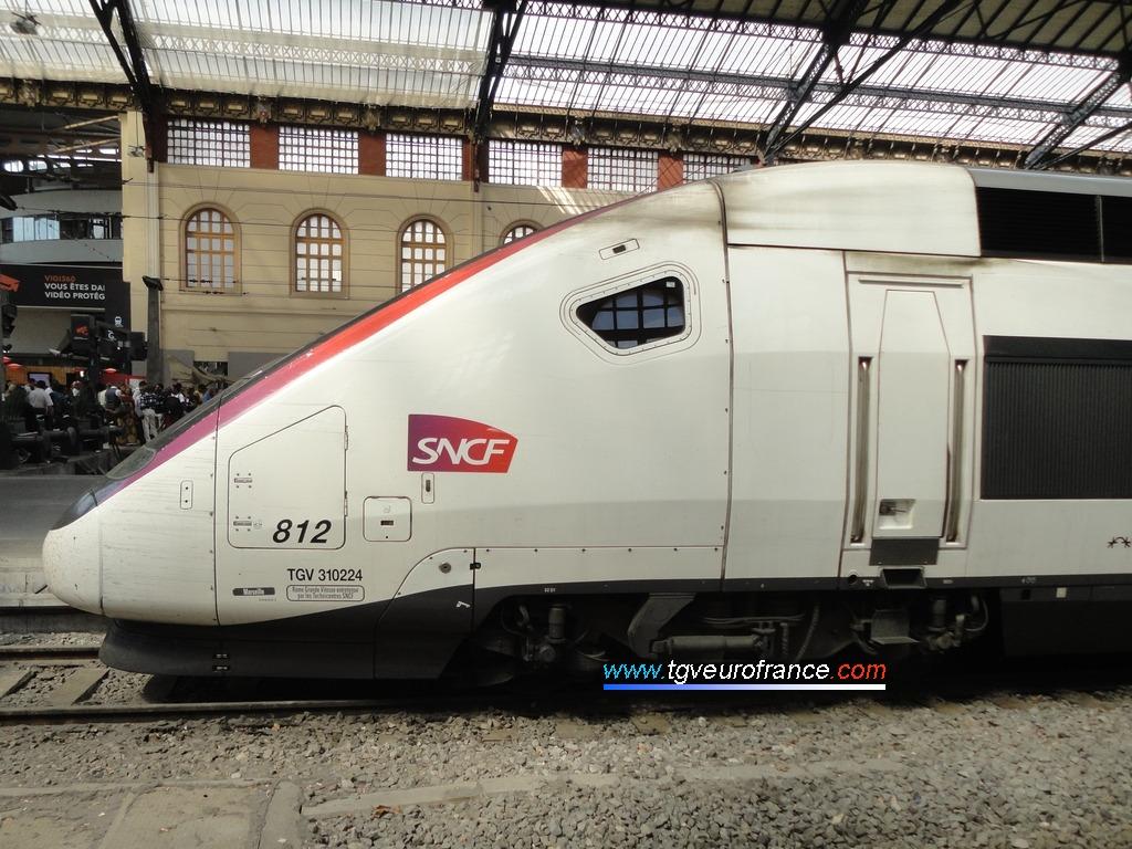 Vue de la cabine de la motrice paire d'un TGV Euroduplex Alstom