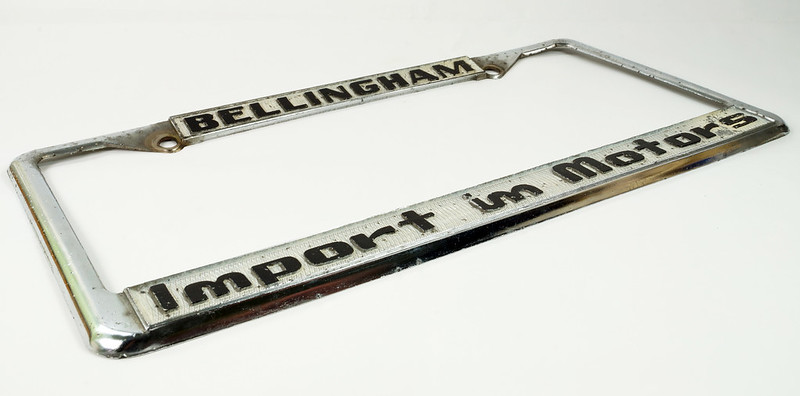 RD30484 Vintage Bellingham Import Motors i m License Plate Frame Steel DSC08224