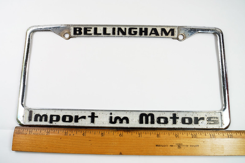 RD30484 Vintage Bellingham Import Motors i m License Plate Frame Steel DSC08216