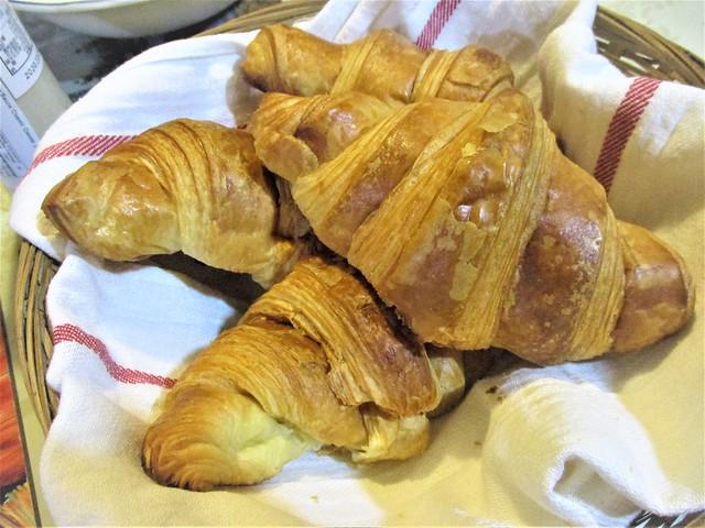 C & C Gallery croissants