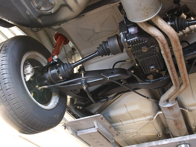 BMW-633-CSi-23